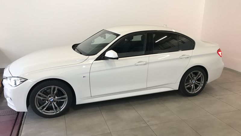 BMW SERIE 3 318IA 136CH M SPORT - Miniature 3